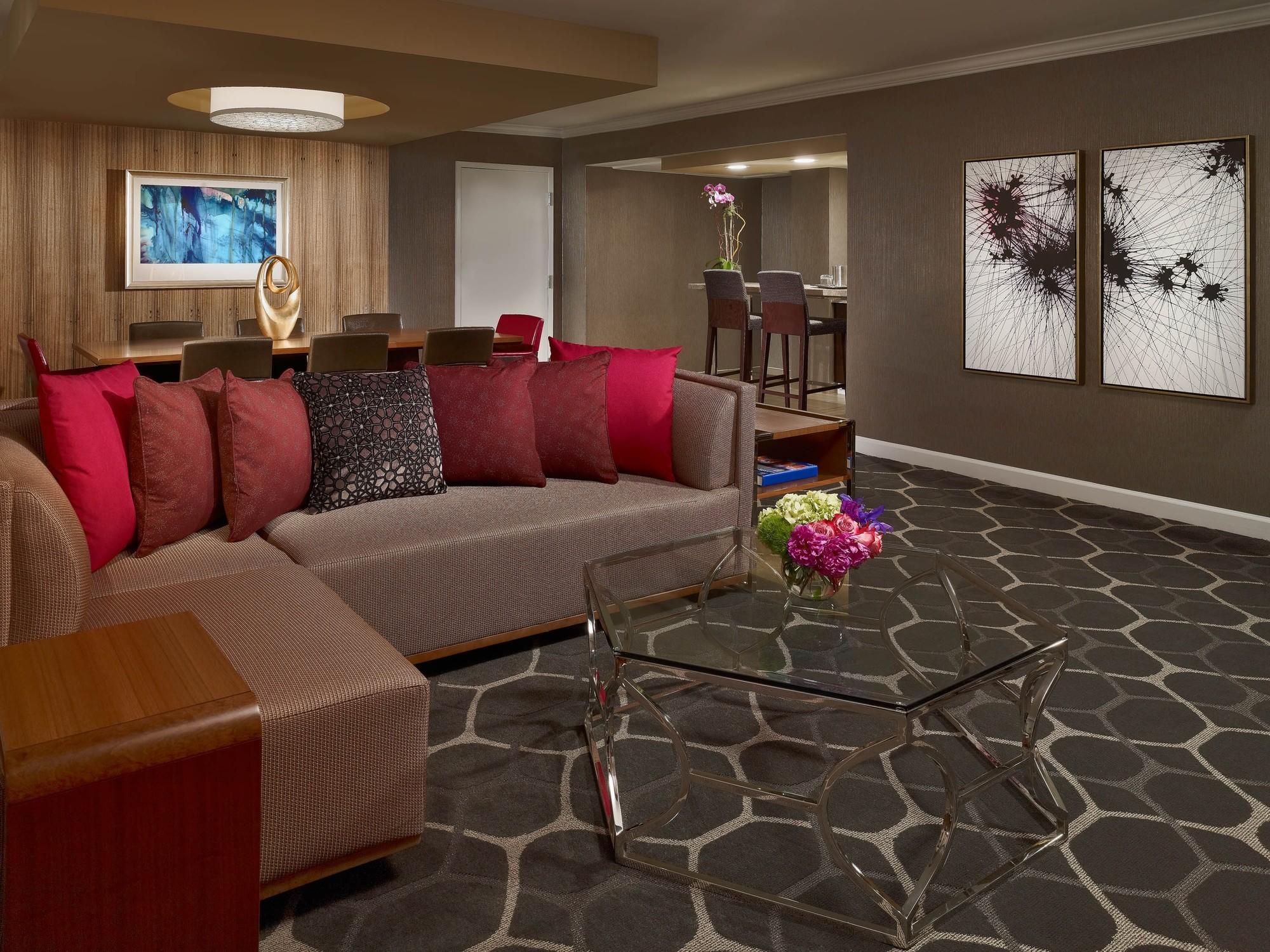Royal Sonesta Houston Galleria Governor King Suite