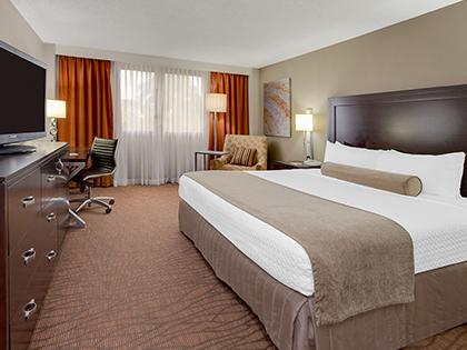 Sonesta Miami Airport King Bedroom