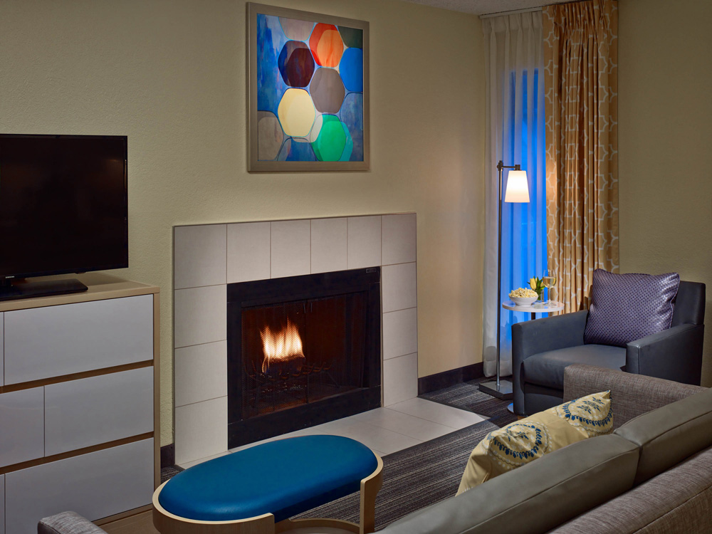 King suite fireplace.