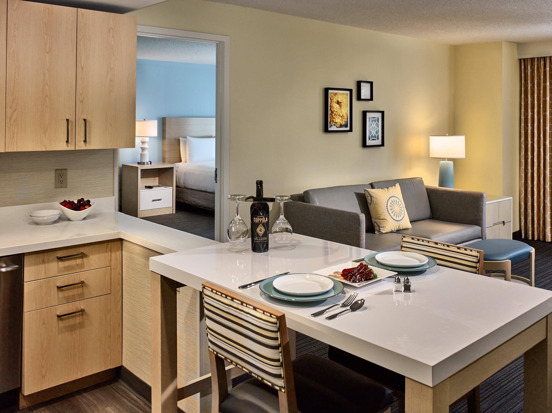 Sonesta ES Suites 1 bedroom suite