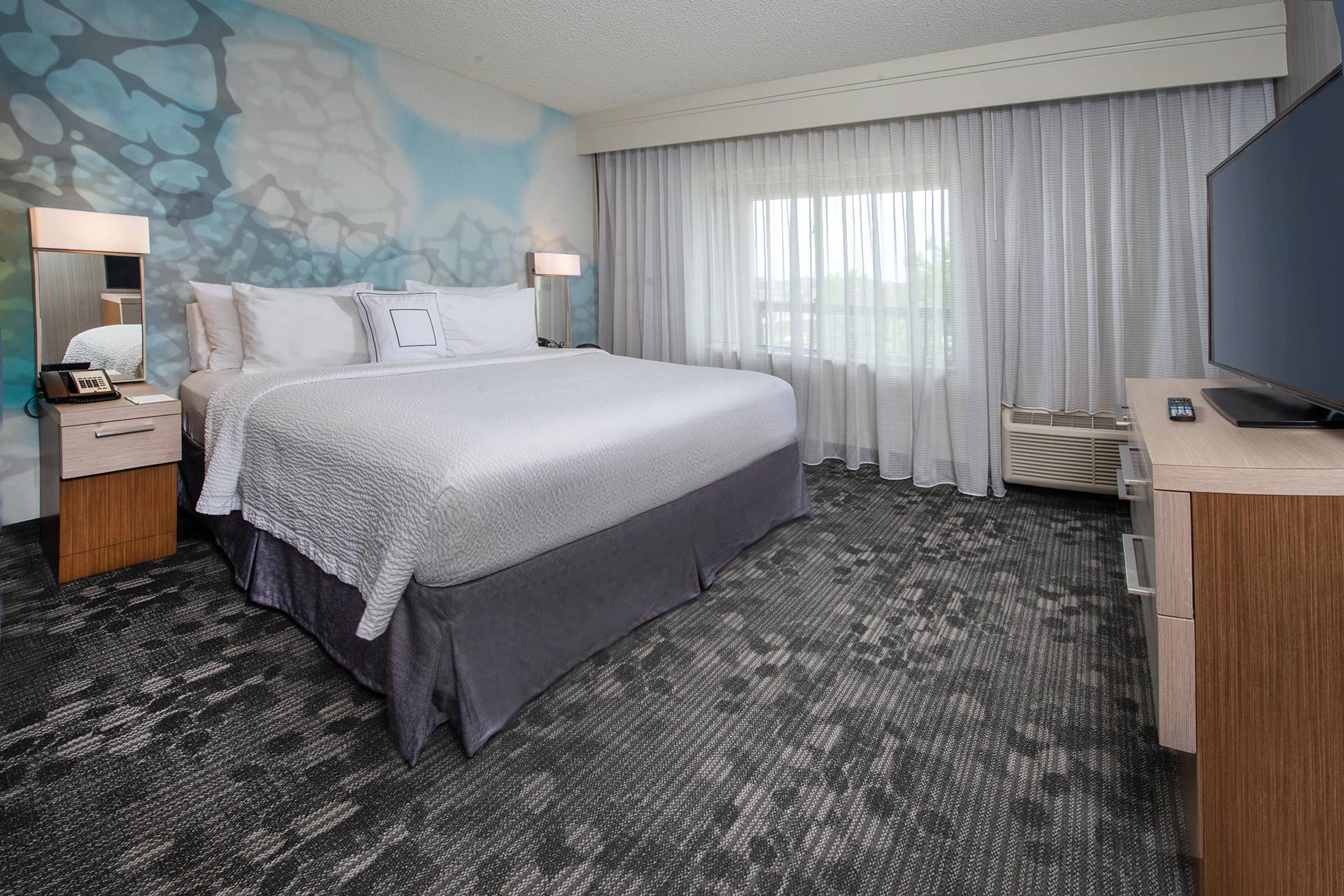 Sonesta Select Allentown One bedroom king suite