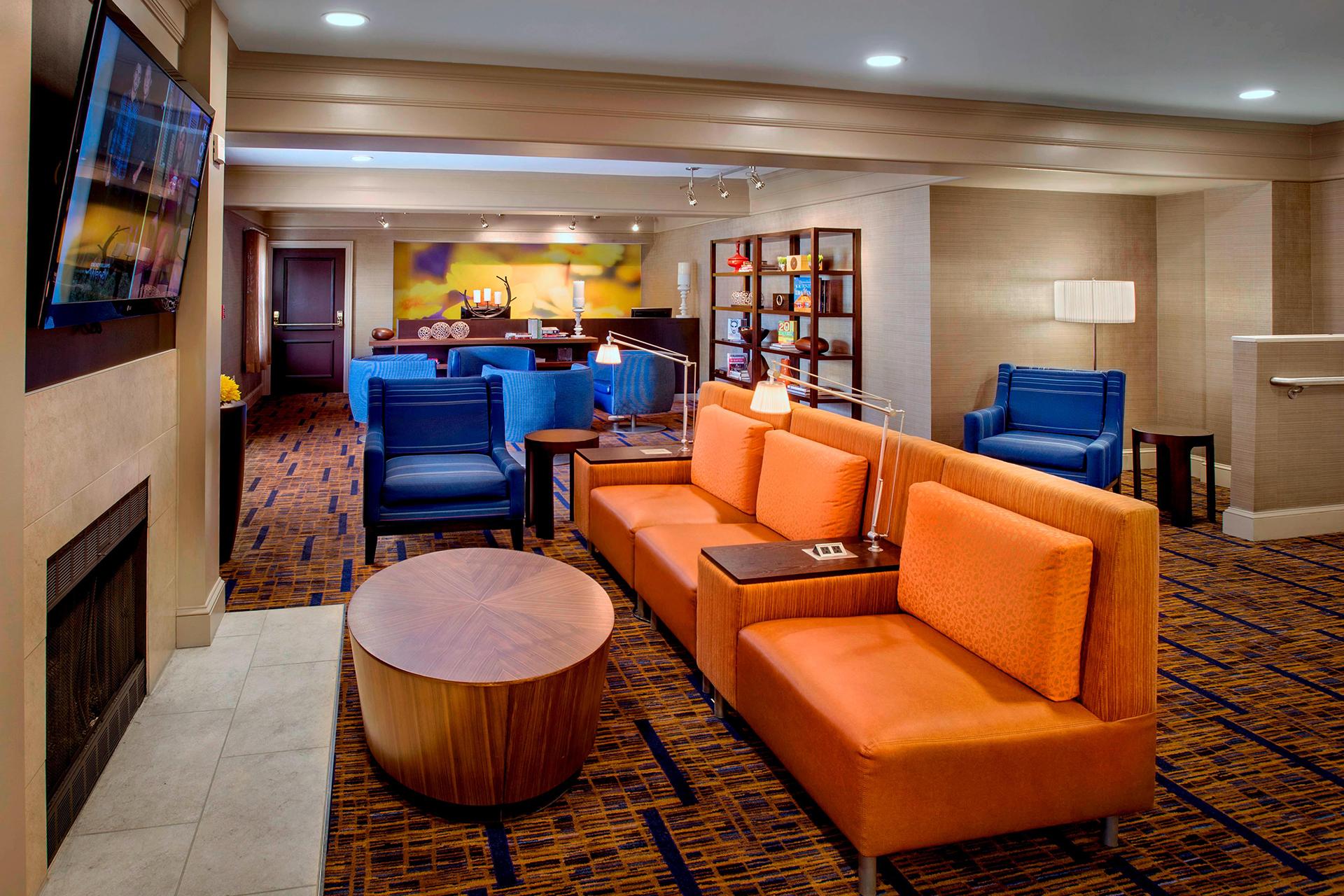 Sonesta Select Boston Danvers Lobby