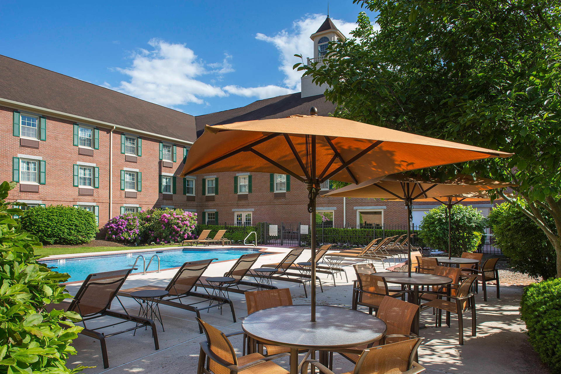 Sonesta Select Boston Lowell Outdoor Pool
