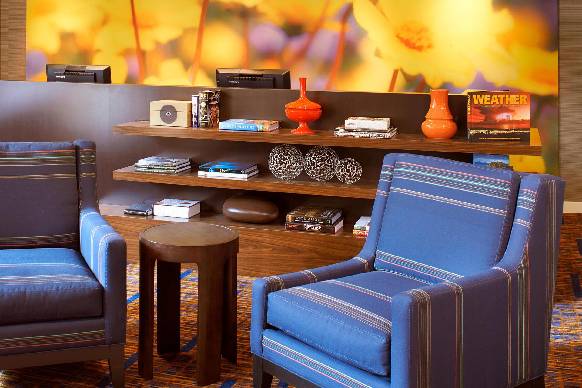 Sonesta Select Detroit Auburn Hills Lobby