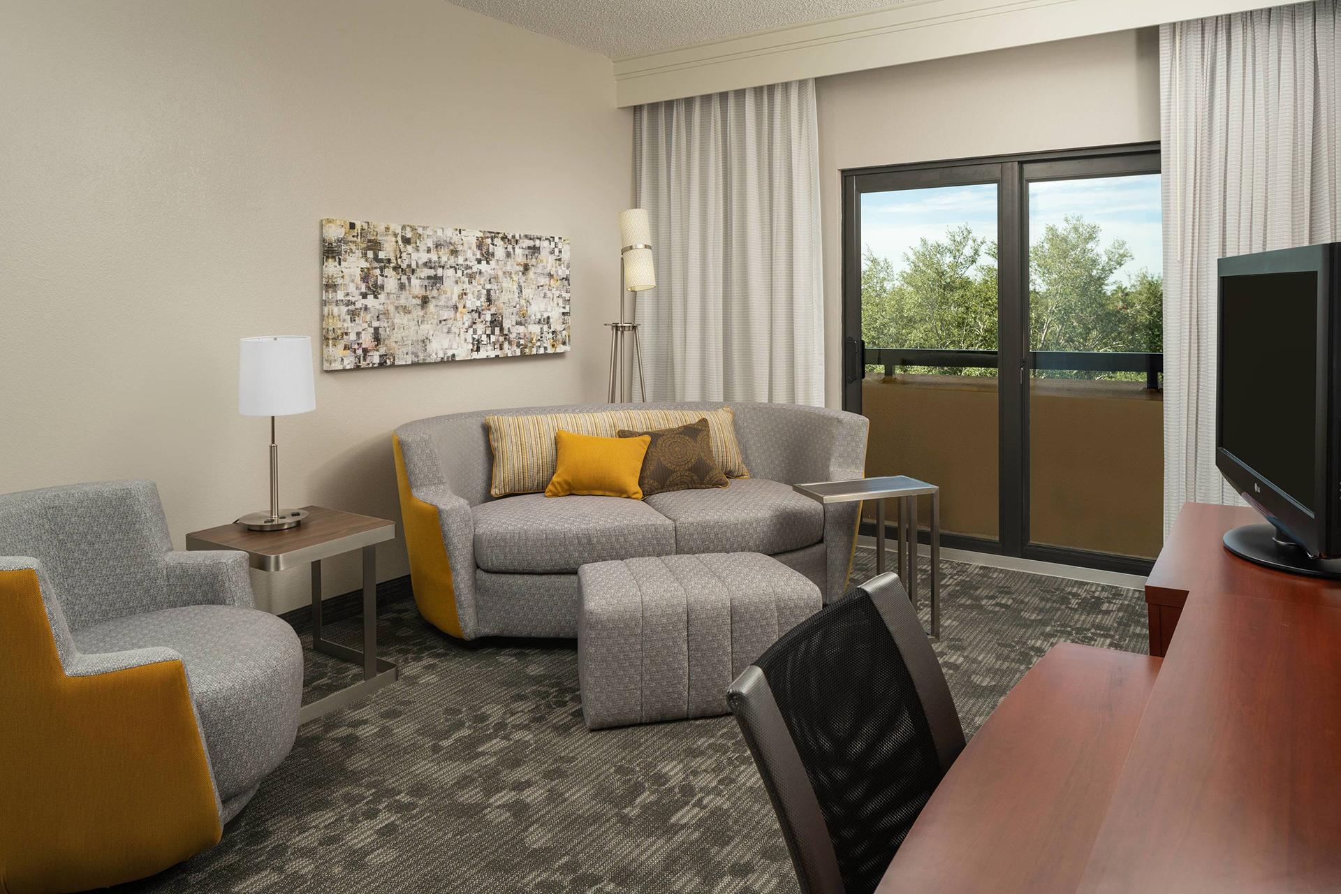 Sonesta Select Miami Lakes King Suite