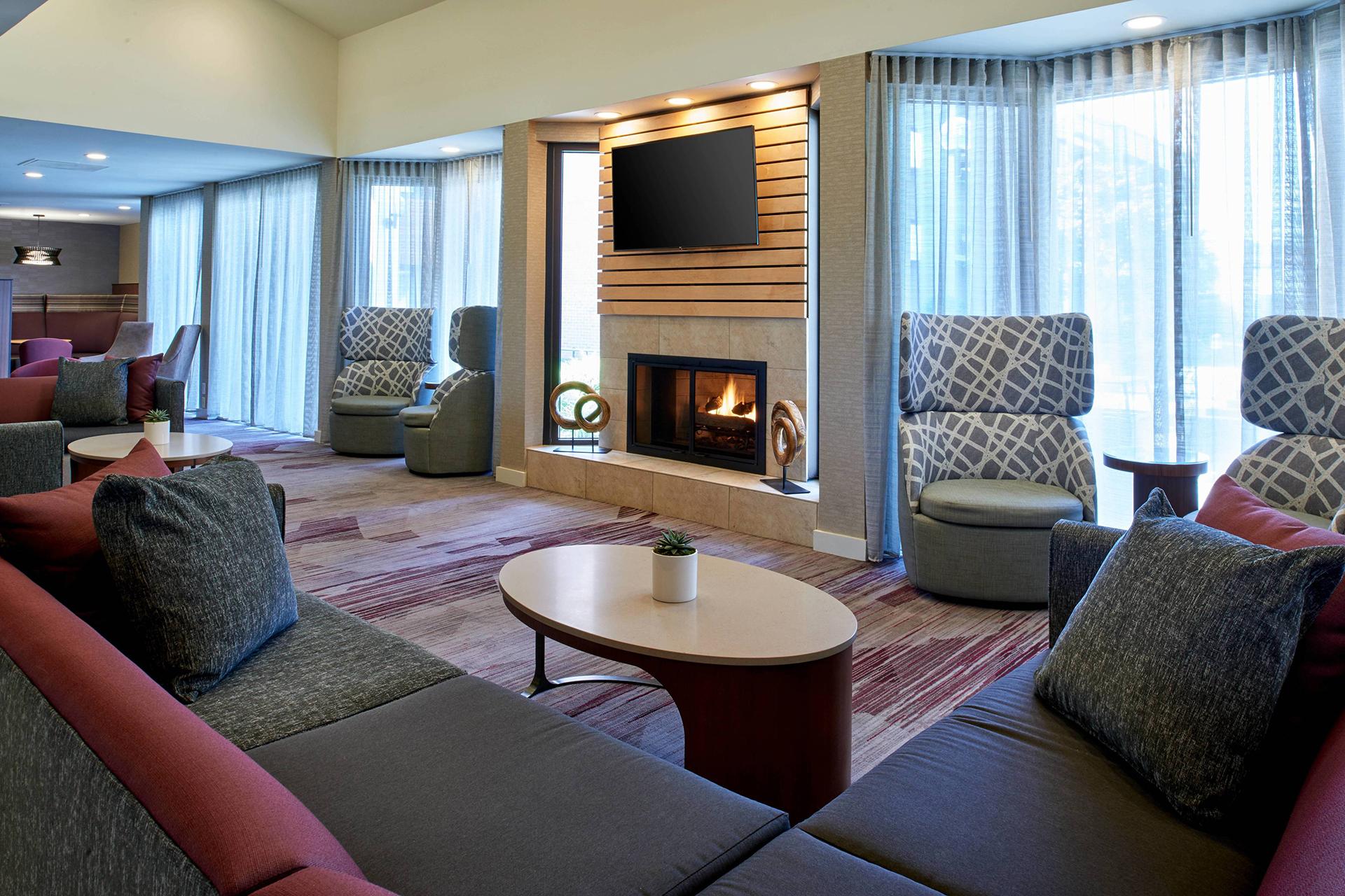 Sonesta Select Minneapolis Eden Prairie Lobby