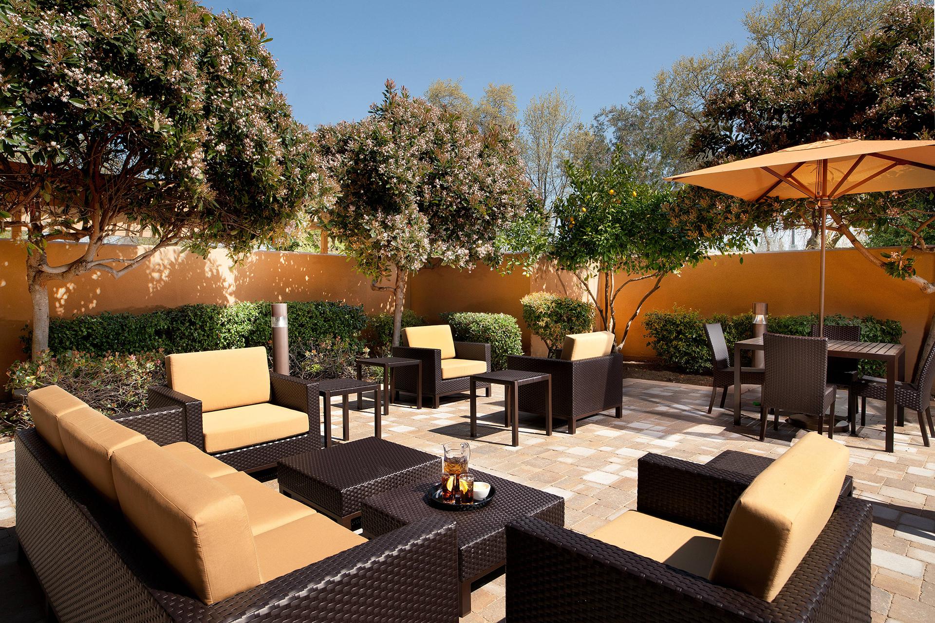 Sonesta Select San Ramon Outdoor Patio