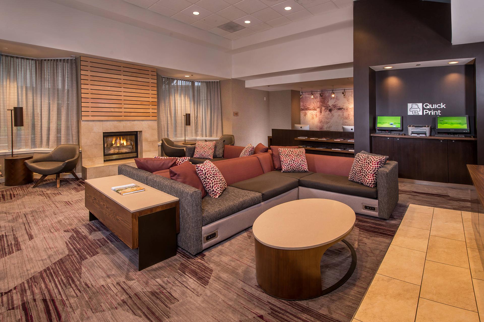 Sonesta Select Arlington Lobby
