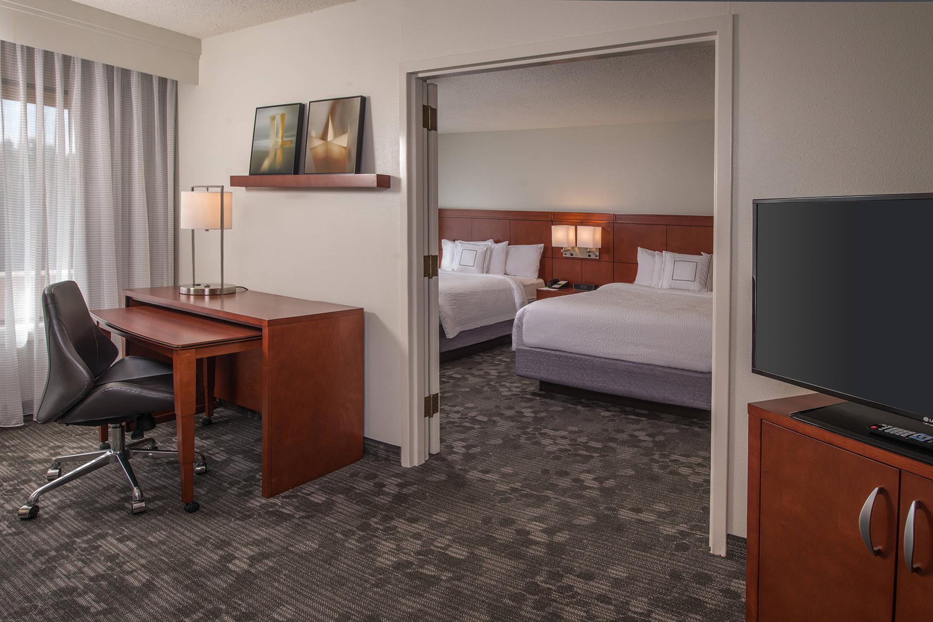Sonesta Select Greenbelt 2 Bed Queen Suite